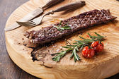 Meat steak with rosemary — 图库照片