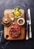 Beef tartare with salad — Stock Photo