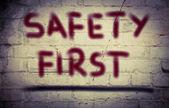 Eerste veiligheidsconcept — Stockfoto