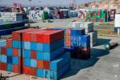 Shanghai Yangshan Deepwater economico terminal container di Fta contenitori impilabili — Foto Stock
