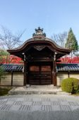 Entrance of Japan temple in Kyoto — Stock Photo