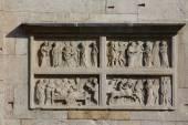 Modena cathedral, balcony — Stock Photo