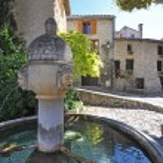 Place du Vieux-Marche, Vaison-La-Romaine,Vancluse, in Provence, — Stock Photo #58338047