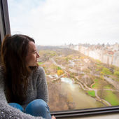 Young girl with view of Central Park — Stock Photo
