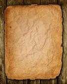 Eski kağıt yaşlı ağaç üzerinde — Stok fotoğraf