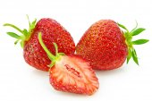 Ripe red strawberries isolated on white background — Stock Photo