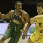 ACB League - Baloncesto Sevilla vs Iberostar Tenerife — Stock Photo #58010455