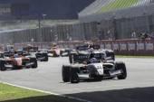 Race 1 Formula 3.5 at Jerez ciurcuit — Stockfoto