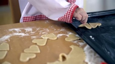 Cook putting valentine cookie — Stok video