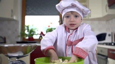 Cook kneading dough — Stock Video