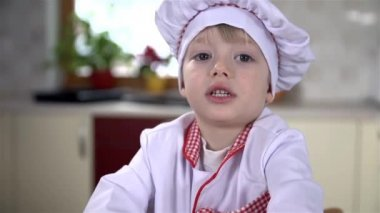 Young cook working hard — Stock Video