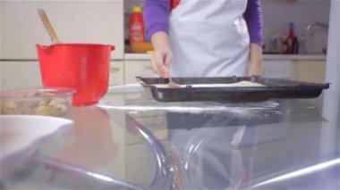 Woman Adding Tomato Sauce — Stok video