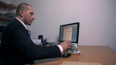 Businessman Finishing Work — Stock Video