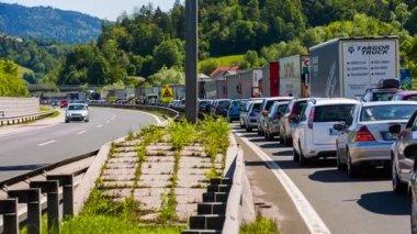 Traffic Standing Still on Highway. — Stock Video