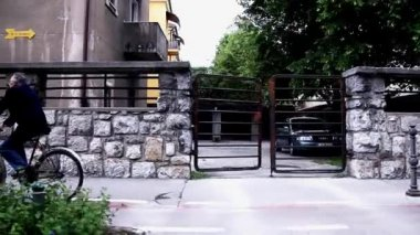 Man Bicycling on Sidewalk — Stock Video