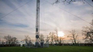 Big antenna on lawn — Stock Video