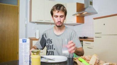 Man Eating dinner — Stock Video
