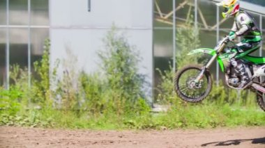 Sprong van motorcrosser. — Stockvideo