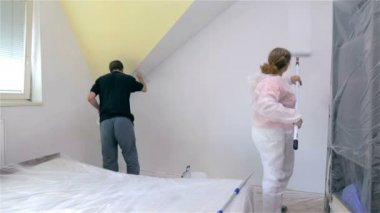 Two persons painting room — Stock Video