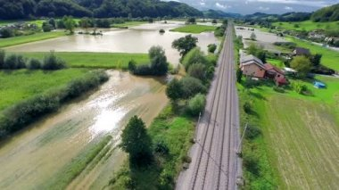 Flooding water on a sunny day — Vídeo de Stock