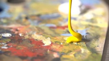 Yellow paint color — Stockvideo