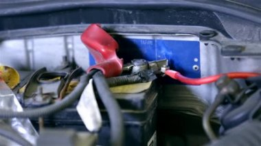Electric wiring on car accumulator — Stock Video