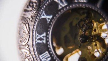 ポケット時計の時を刻むメカニズム — ストックビデオ