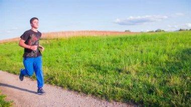 Man Running At Sunse — 图库视频影像