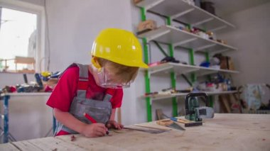 Cute little worker — Stock Video