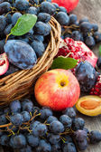 Fresh autumn fruits — Stock Photo