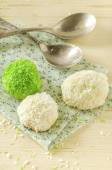 Tree cookies with coconut flakes on cotton cloth — Foto de Stock
