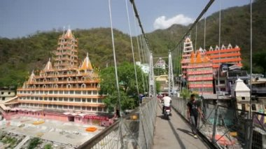 View of Rishikesh city — ストックビデオ