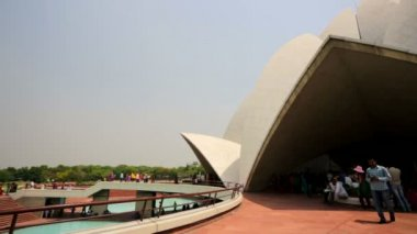 Baha'i temple, known as Lotus Temple. — Stockvideo