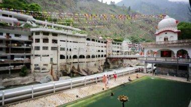 Manikaran thermal springs — Vídeo de Stock