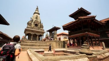 People at the famous Durbar Square — Stok video