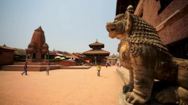 People at the famous Durbar Square — Stock video