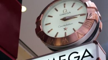 Omega advertisment in Hong Kong — Stock Video