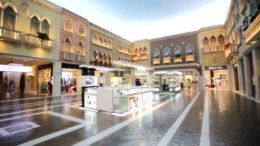 Venetian shopping mall — Stockvideo