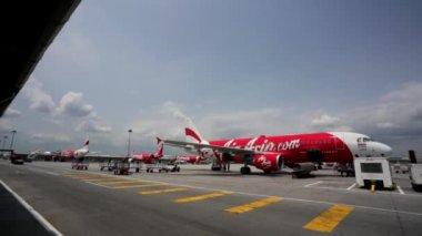 AirAsia Jet airplanes — Stock video