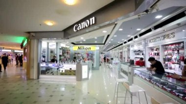 Canon store at Low Yat Plaza — Stock Video