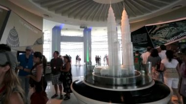 Tourists visit Petronas Twin Towers — Stock Video