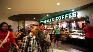Starbucks coffee in Kuala Lumpur — Stock Video
