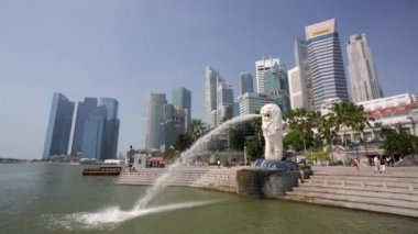 Singapore Merlion fountain — Stock Video