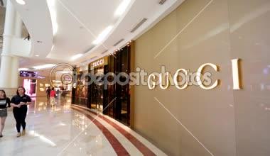 Gucci luxury store — Stock Video