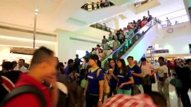 People at Suria KLCC — Stock Video