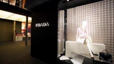 Prada fashion boutique — Stock Video