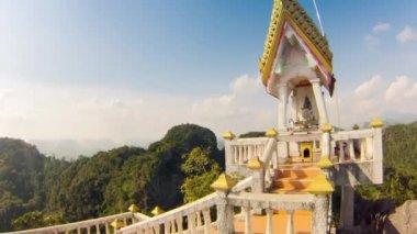 Buddhist temple on mountain — Stockvideo
