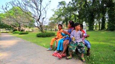Cambodian children playing — Stock Video