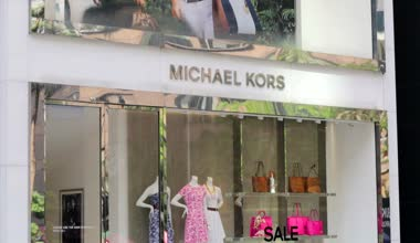 Michael Kors store in Kuala Lumpur — Stok video
