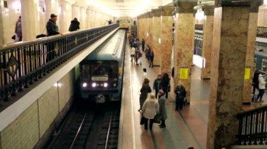 Komsomolskaya subway station — Stock Video